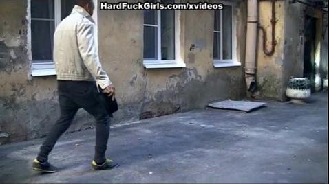 Пьяные гопники изнасиловали русскую соску