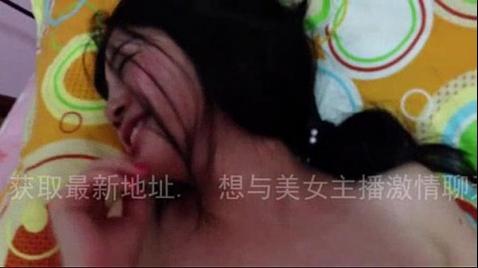 Азиатка жарко занимается любовью