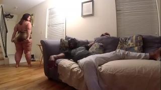 Пьяная женщина изнасиловала своего друга