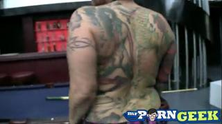 Ебля грудастой татуированной барышни