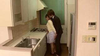 Японскую жену трахают за спиной у мужа куколда
