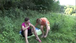 Женщина в возрасте ебется с юношей